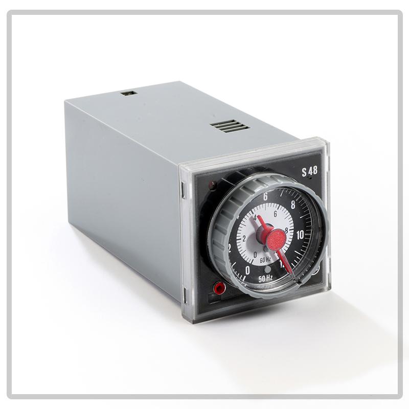 S48 temporizzatore elettromeccanico multiscala